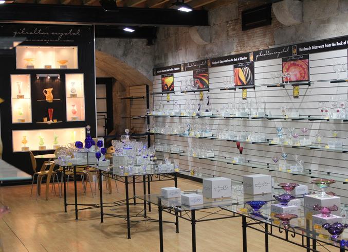 Гибралтар (Брит.) | Полуостров Гибралтар. Магазин при Стеклодувной мастерской.