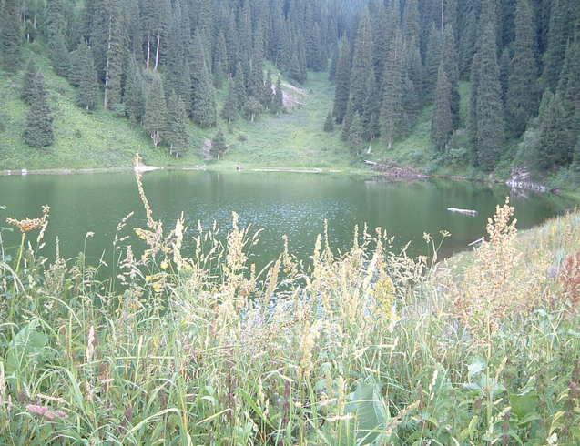 Казахстан | горное озеро Заилийского Алатау (Тянь-Шань)
