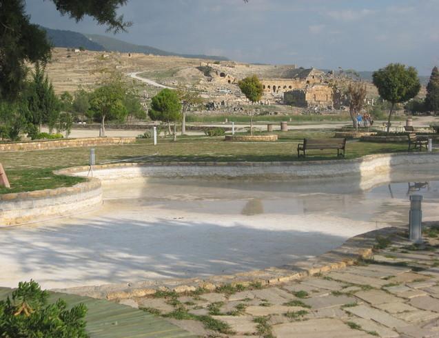 Турция | Помокале-район бассейна Клеопатры. Руины древнего города