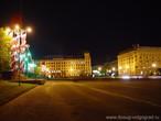 | Площадь павших борцов ночью...