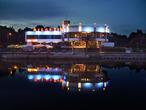 "  ""Атлантис"" - ресторан, кафе, ночной клуб на берегу Эмайыги, Тарту"