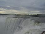 | Вид с другого конца водопада Игуасу.