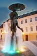 """  Фонтан - """"Целующиеся студенты"""" на Ратушной площади в Тарту"""