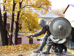   Памятник русскому князю Вячко и эстонскому старейшине Меэлису
