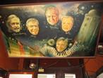 | практичеки все ресторанчии копенгагина украшены картинами